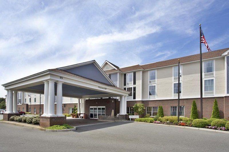 Hampton Inn & Suites Cape Cod - West Yarmouth