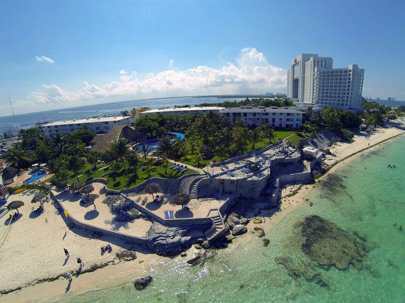 Dos Playas Beach House Hotel