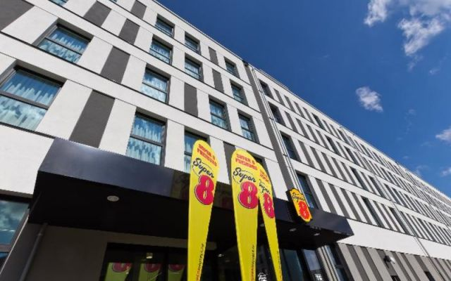 5facbd2f39b317 Hotel Super 8 Freiburg in Freiburg bei Thomas Cook buchen
