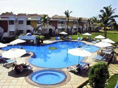 Hotel Royal Orchid Beach Resort Spa In Utorda Beach Goa Bei