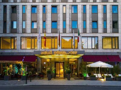 Hotel Melia Düsseldorf in Düsseldorf bei Thomas Cook buchen