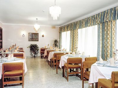 Hotel Hostal Alfonso In Cala Ratjada Bei Thomas Cook Buchen