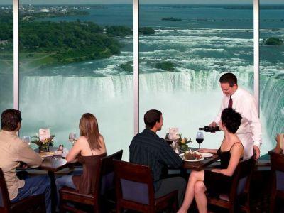Hotel Embassy Suites By Hilton Niagara Falls Fallsview In Niagara