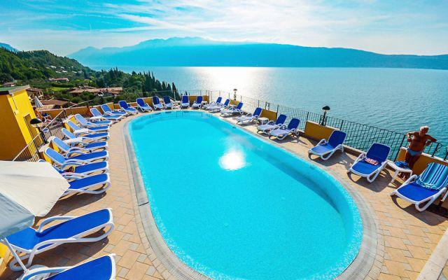 Villagio Hotel Piccolo Paradiso In Toscolano Maderno Bei Bucher