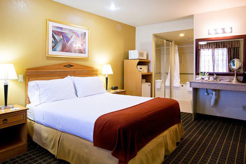 Holiday Inn Express Central City Hotel, San Jos...