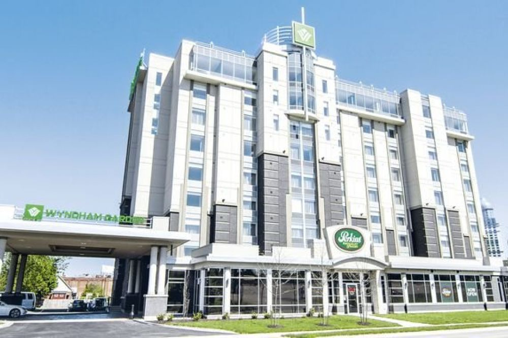 Hotel Wyndham Garden Niagara Falls Fallsview In Niagara Falls